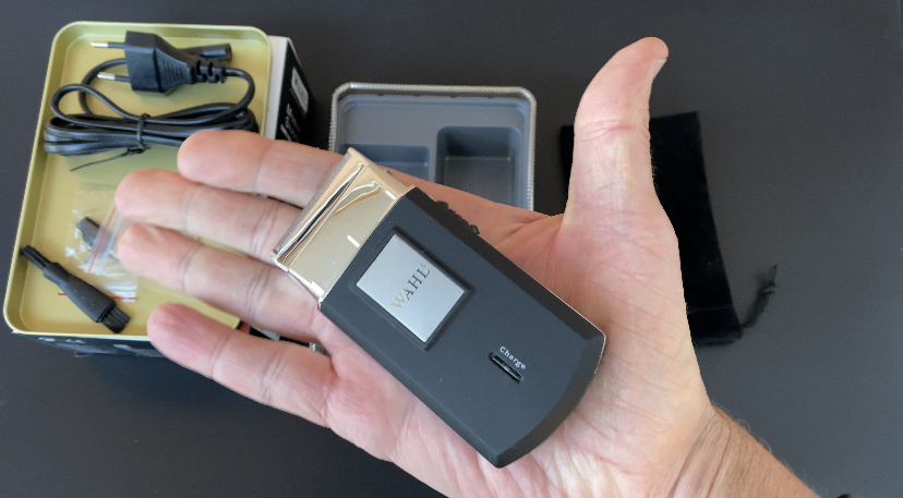 Mobile whal Shaver rasoio piccolo e compatto pesa soltanto 90 grammi perfetto per chi viaggia