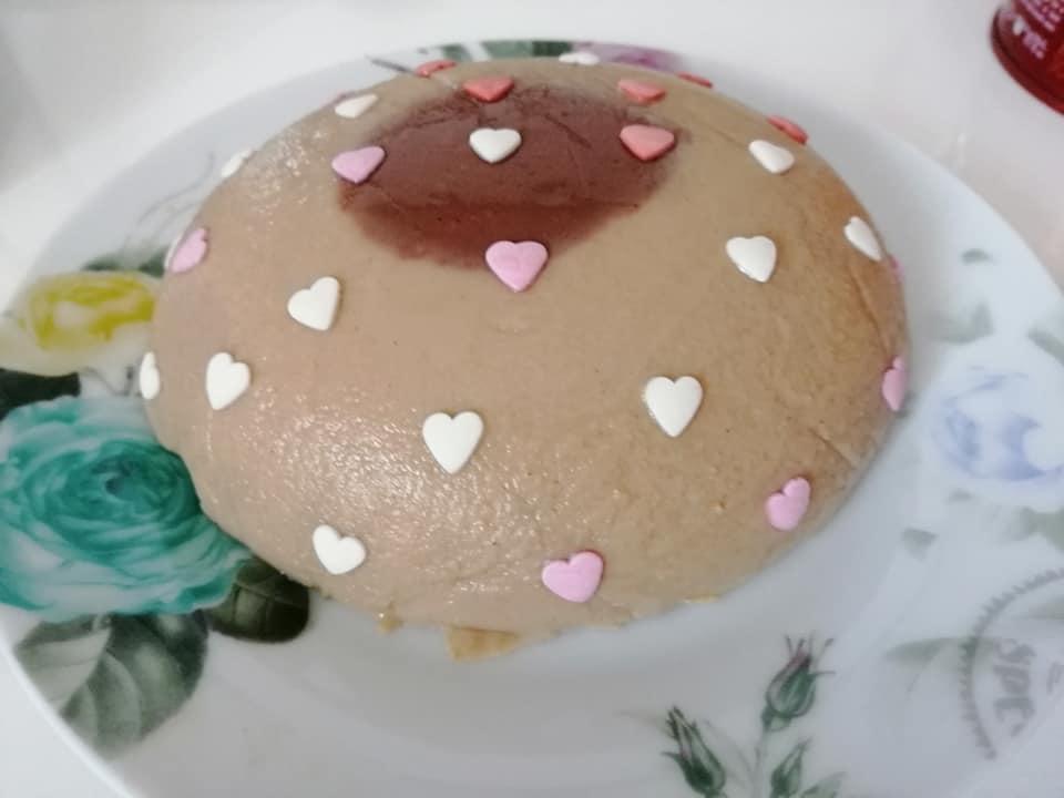 🪐30 gr farina di ceci 🪐5 gr Cacao amaro 🪐1 Cucchiaino di caffè solubile 🪐1 pizzico di Cannella 🪐Colla di pesce 🪐250 ml latte di soya 🪐100 ml acqua 🪐Stevia q. b.